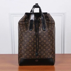 Mochila Explorer Louis Vuitton canvas Monogram na internet