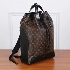Mochila Explorer Louis Vuitton canvas Monogram - comprar online