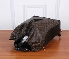 Mochila Explorer Louis Vuitton canvas Monogram - loja online