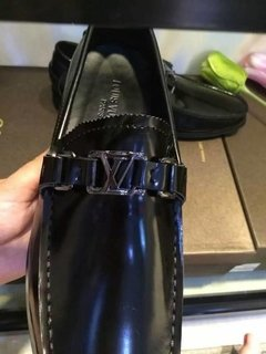 Sapato Louis Vuitton na internet