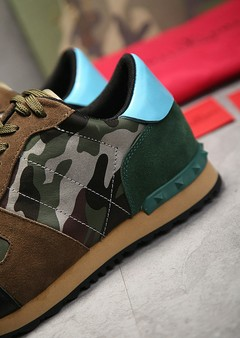 Sneaker Valentino Camouflage Rockrunner na internet