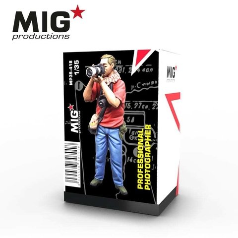 Professional Photographer 1/35 MIG Productions