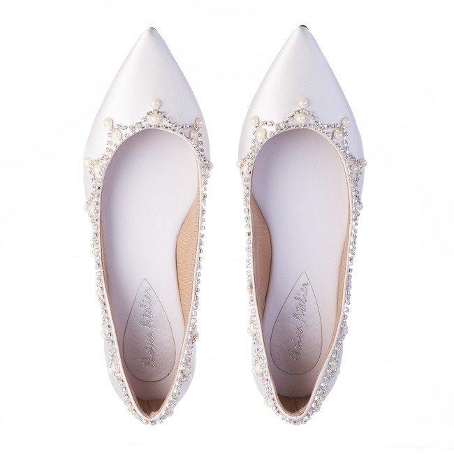 8ff8c2575 ... Sapato para Noiva modelo: Sapatilha para noiva em Cetim Cordão de  strass e pérolas