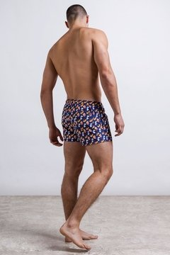 Cut short, Short estampado masculino curto