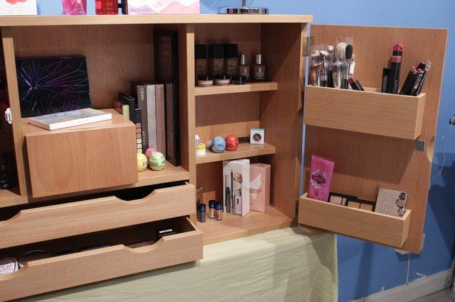 Mueble enchapado madera organizador de maquillaje cedro for Mueble organizador