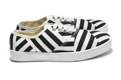 Tenis Stripes en internet