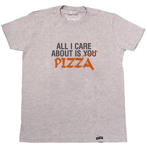 Camiseta All I care about is pizza na internet