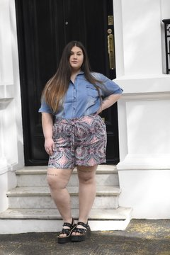 Short fibrana estampado