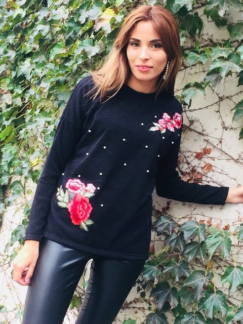 Sweater perlas y flowers
