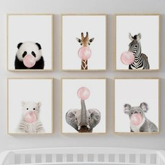 ANIMALES CON CHICLE ROSA