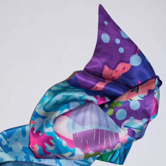 ALGAS - VALISSE · 100% SILK SCARVES · A PIECE OF ART ·
