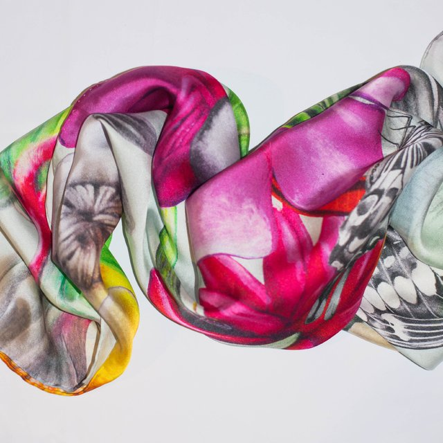 FLOR DE CERA - VALISSE · 100% SILK SCARVES · A PIECE OF ART ·