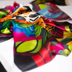 PAÑOLETA FLORES DE JAGUAR - VALISSE · 100% SILK SCARVES · A PIECE OF ART ·