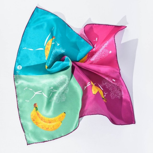 BANANOS BAILABLES - VALISSE · 100% SILK SCARVES · A PIECE OF ART ·
