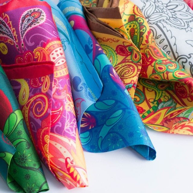 PACKx3 - 3 PAÑUELOS DE 33x33cm - VALISSE · 100% SILK SCARVES · A PIECE OF ART ·