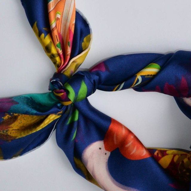 CARTAGENA - VALISSE · 100% SILK SCARVES · A PIECE OF ART ·