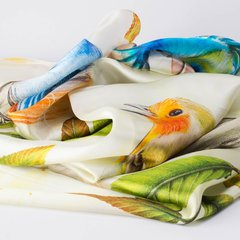 LA MAGNOLIA - VALISSE · 100% SILK SCARVES · A PIECE OF ART ·