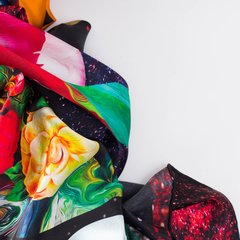 PAIS DE CONTRASTES - VALISSE · 100% SILK SCARVES · A PIECE OF ART ·