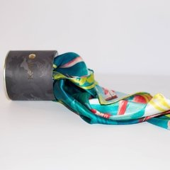 PAÑUELO ENREDO DE FLAMINGOS - VALISSE · 100% SILK SCARVES · A PIECE OF ART ·
