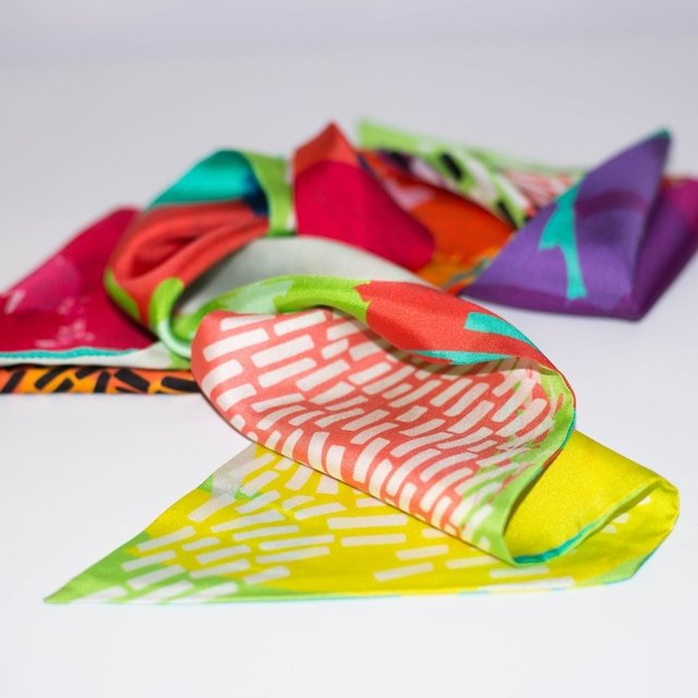 ENCUENTRO LINEAL - VALISSE · 100% SILK SCARVES · A PIECE OF ART ·