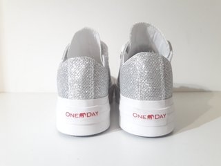 SNEAKERS GLITTER ONE DAY/ SS20 - comprar online