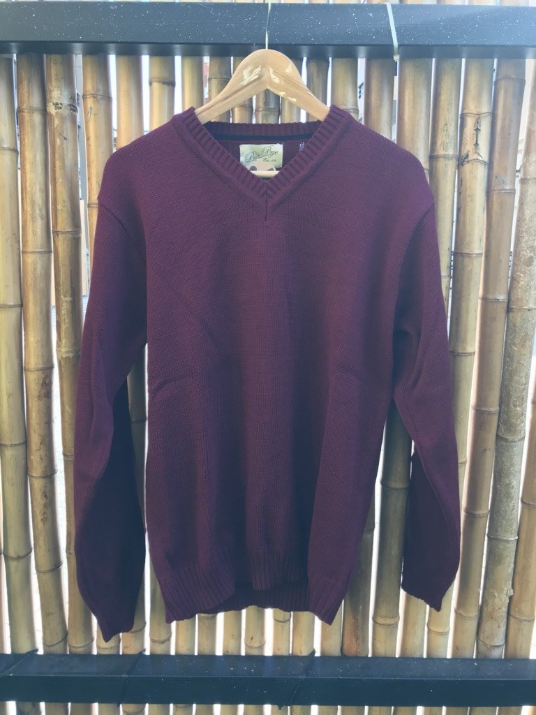 Sweater cuello v bordo