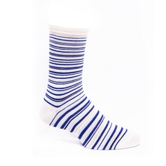 Calcetines blancos con lineas azules