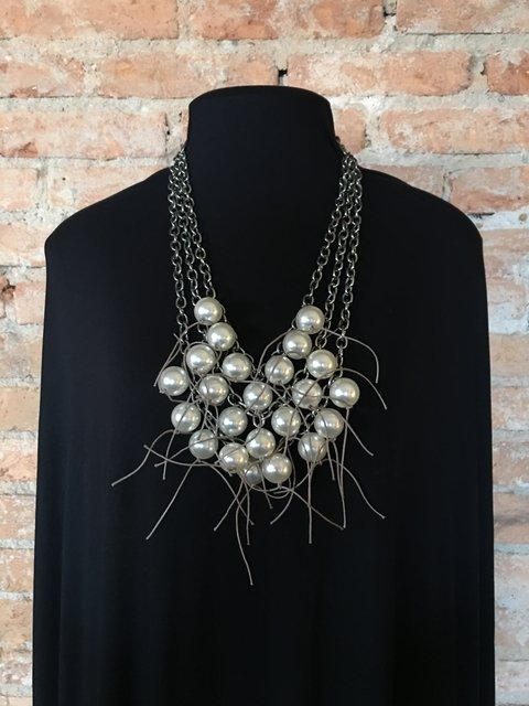 bela necklace