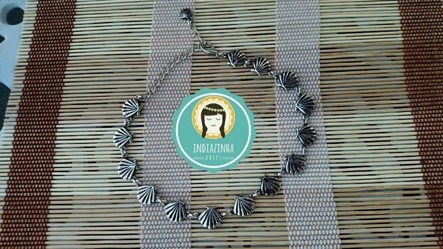 Choker de Mini-Conchinhas