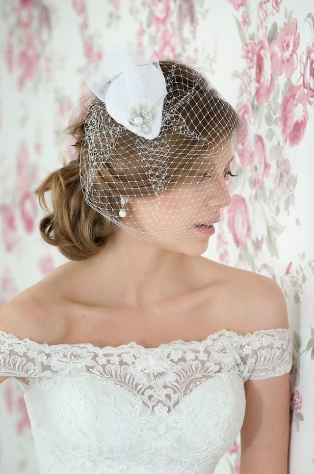 Fascinator Tie on internet