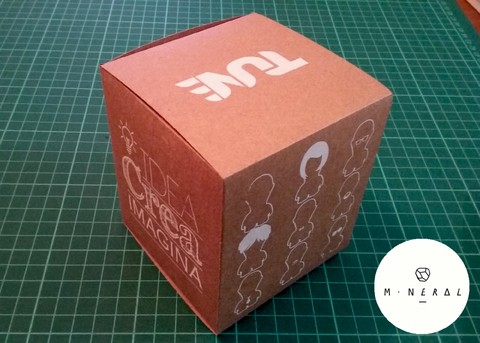 Packaging Art Toy/ Tune - comprar online