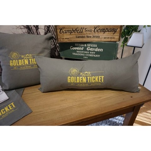 ALMOHADON GOLDEN TICKET 70X30 - comprar online