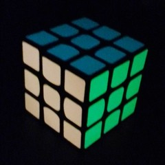 3x3 CubeTwist Luminoso Brilha no Escuro na internet
