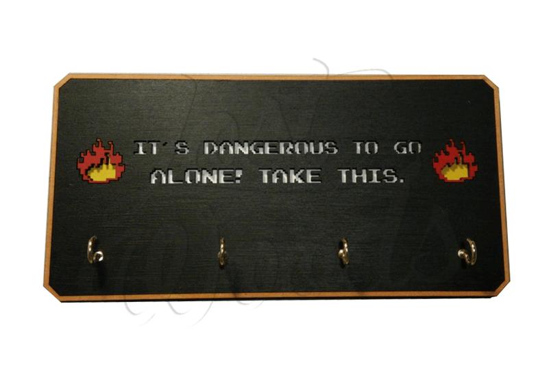 Cuelgallaves Legend of Zelda (It´s dangerous to go Alone)