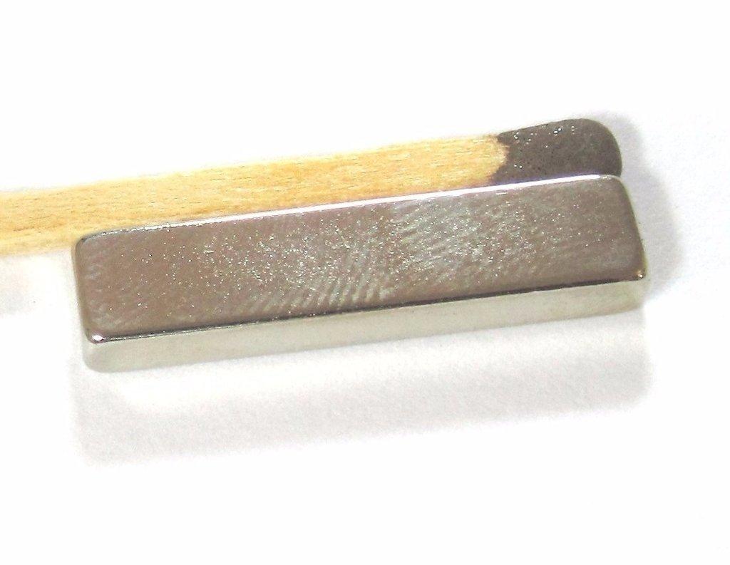 2187af040c8 Imã Neodímio N35 25x6x3mm - Bloco - Br Imãs