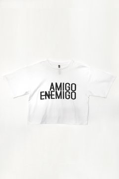 Remera Amigo Enemigo con estampa en internet