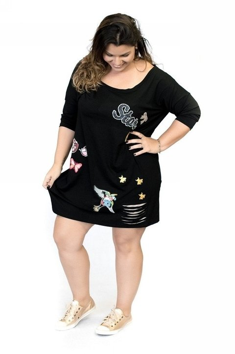 Vestido preto com patch PLUS SIZE na internet