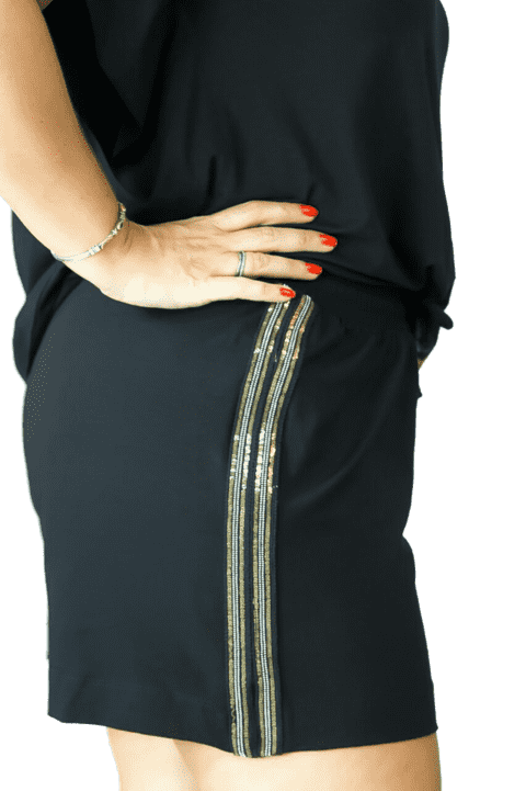 Shorts Plus Size com fita lateral