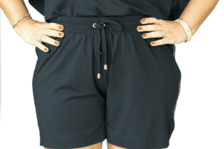 Shorts Plus Size com fita lateral na internet