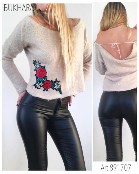 sweater peludo aplique