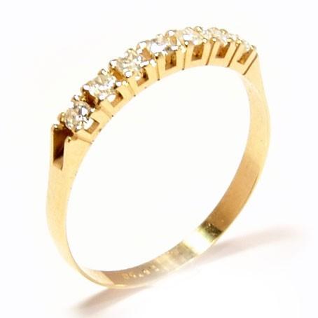 Meia aliança em ouro Amarelo 18K e diamantes (0,35cts). Código  34c3e96d92