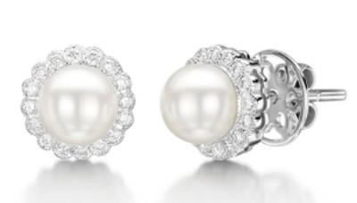 Brincos em ouro Branco 18K, Perolas e diamantes (0,96cts). Código   18Kperola30 eac76137dd