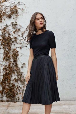 f9cb3588f9 falda plisada negra  falda plisada negra ...