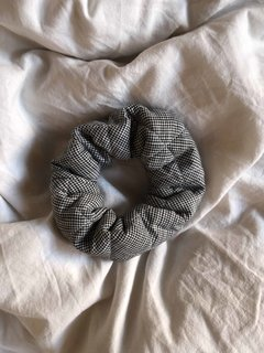 GINGHAM scrunchies - Julieta Grana