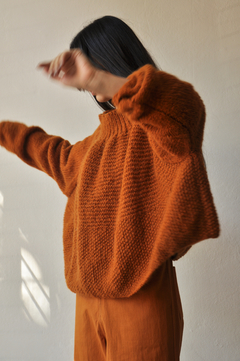 OVERSIZED HAND KNITTED SWEATER