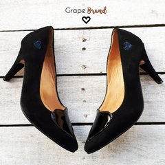 Stilettos LOVE (Taco Fino) -- Gamuza Negro - Charol Negro - Grape Brand