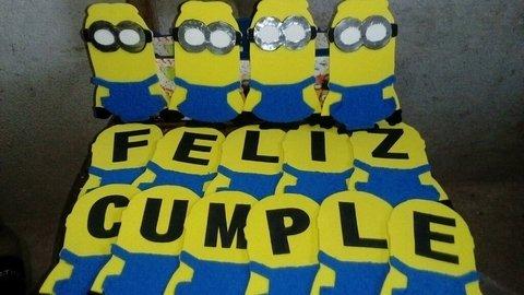 Cartel De Goma Eva Feliz Cumpleaños Minion