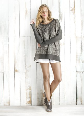 SWEATER FLORES - SURDEASIA e-SHOP