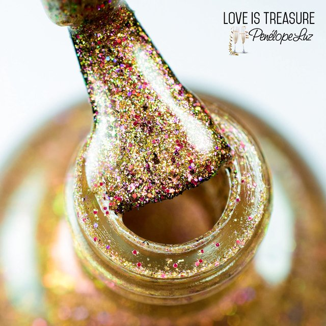 Love is Treasure - comprar online