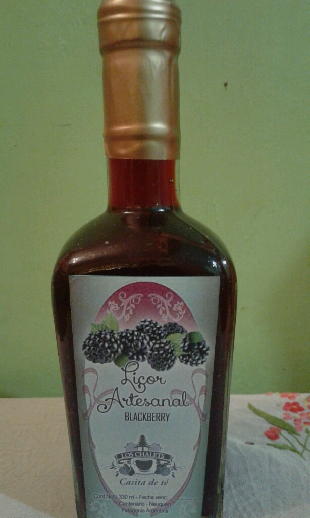 Licor artesanal de Mora blackberry